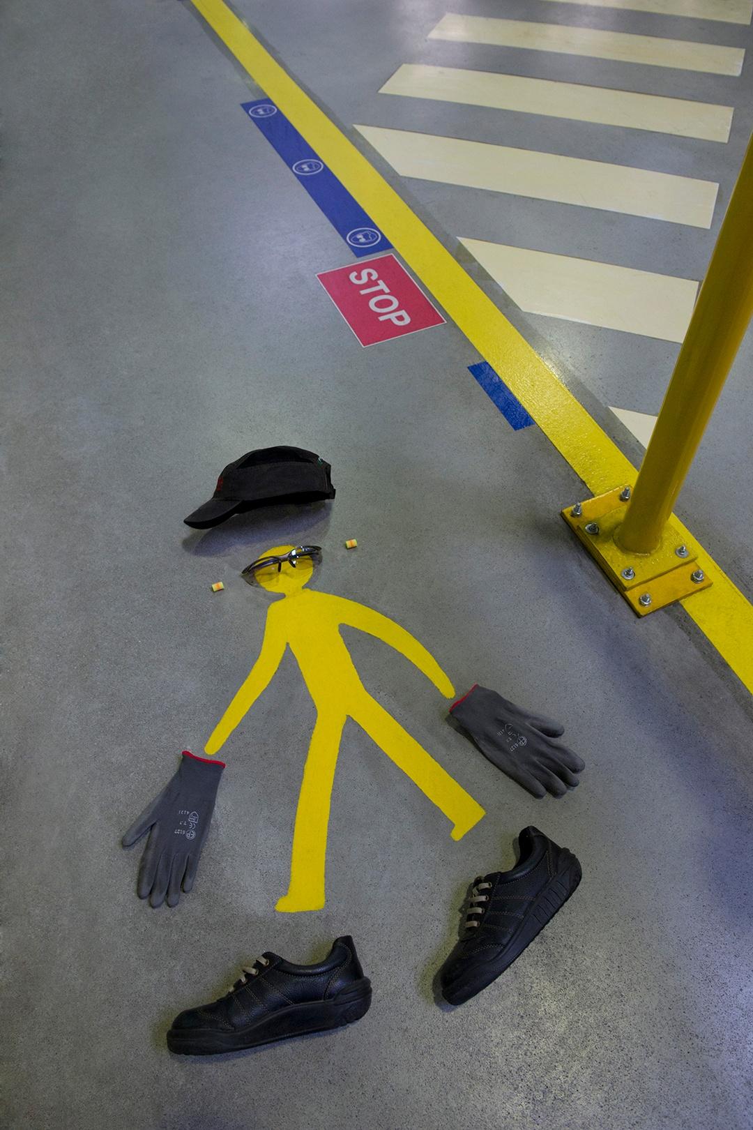 safer-together-in-the-factory_HI_11747_72dpi